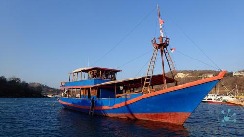 Tauchbasis und Boot Santai