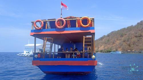 Лодка Santai, парк Комодо